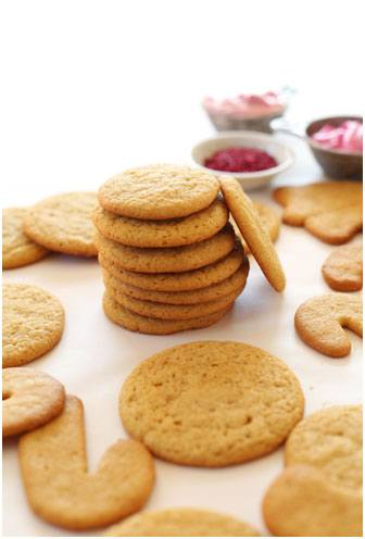 """Whether you are a sweet tooth or not, often most of us fret over the calorie count that we are consuming over the holidays; so here are a few recipes for something on the """"healthier"""" side aka cookies with less sugar count."""