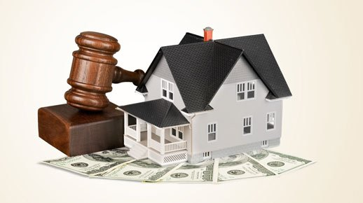 Choosing a Career as a Real Estate Attorney