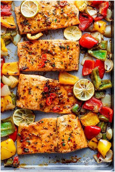 Here are twelve healthy sheet pan recipes that will make your weeknight dinners simpler and allow you to spend more time doing the things that you enjoy.