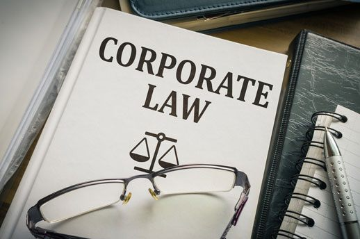 What Do You Need to Do to Get Corporate Lawyer Jobs?